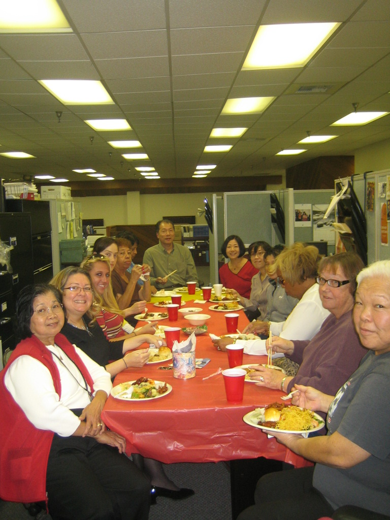 20081210-Holiday party 04